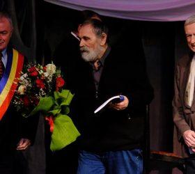 """A fost desemnat câștigătorul Premiului național de poezie """"Mihai Eminescu"""" pentru Opera Omnia   -VIDEO/ GALERIE FOTO"""
