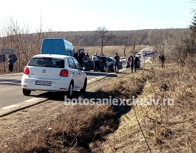 Grav accident la intrarea în Brăiești. Două persoane rănite