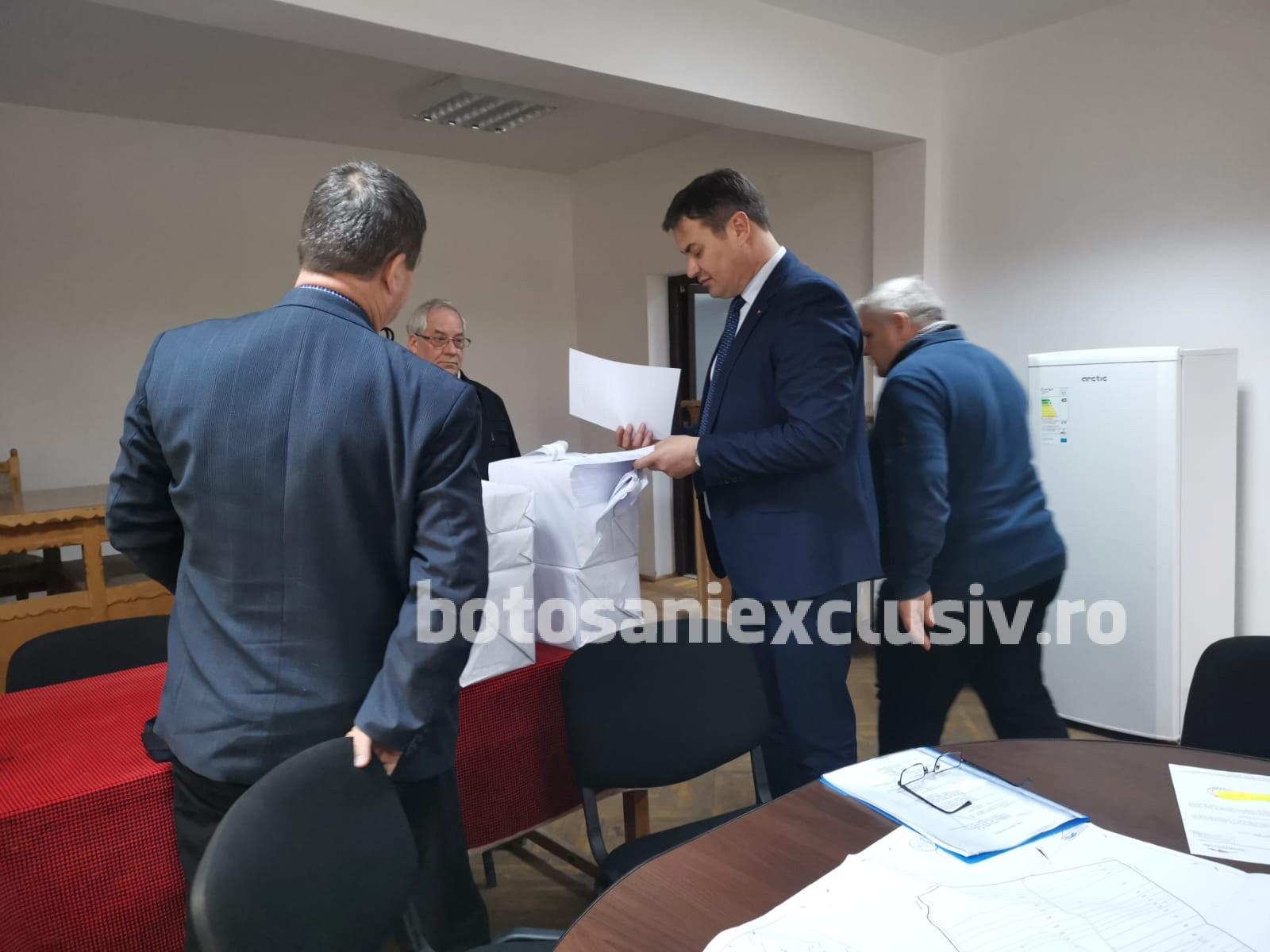 Locuitorii din Coțușca pot consulta lista lucrărilor de cadastru efectuate gratuit pe teritoriul comunei