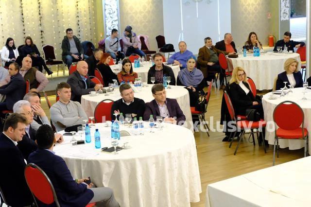Ministrul Muncii a participat la o întâlnire între agenţii economici locali şi reprezentanţi ai instituţiilor centrale şi locale, organizata de Camera de Comerţ, Industrie şi Agricultură Botoşani