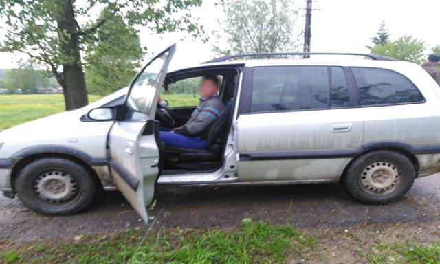 Şofer aflat sub influența băuturilor alcoolice,  depistat de poliţiştii de frontieră