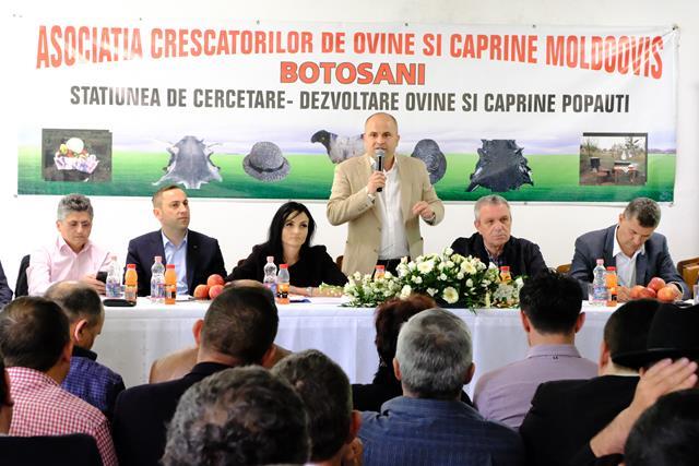 A -XIII –a ediție a Târgului Expozițional de la Popauti a debutat astăzi cu o dezbatere cu cei mai importanți fermieri, producători, procesatori  și crescători de animale din județul Botoșani  -VIDEO/FOTO