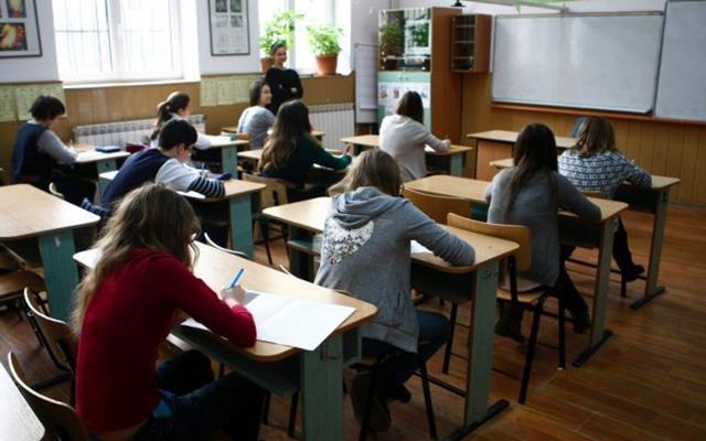 """Elevi botoșăneni prezenți la Concursul Național de Chimie """"Petru Poni"""""""