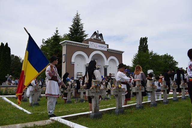 Botoşănenii invitati să ia parte la ceremoniile militare şi religioase prilejuite de Înălţarea Domnului- Ziua Eroilor