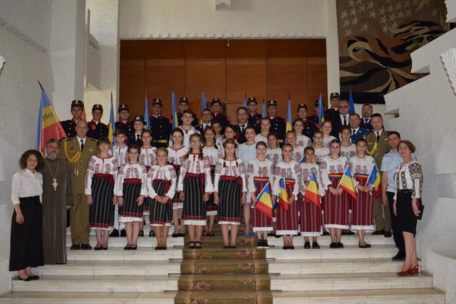 Dincolo de clişee, mulţumiri pentru implicare şi pentru participare la Ziua Drapelului