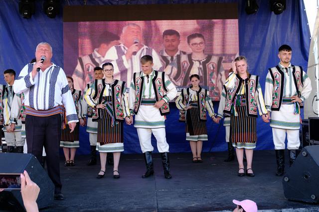 DURNESTI:  Zile pline de muzică, tradiții, sport și…unic în județul Botoșani, călărie – VIDEO/FOTO