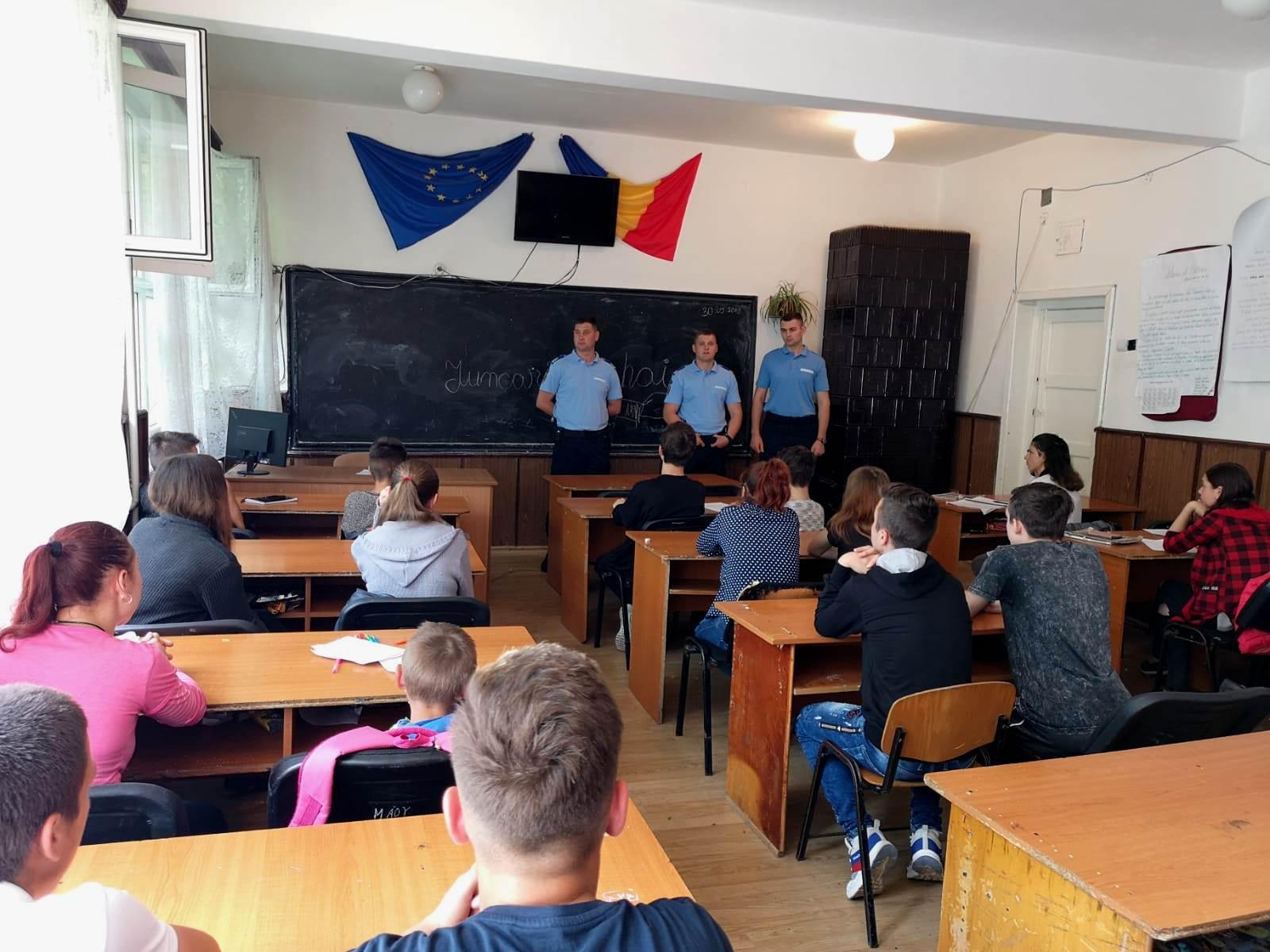 """""""Vacanță în siguranță"""" o campanie desfășurată de Inspectoratul de Jandarmi Botoșani"""