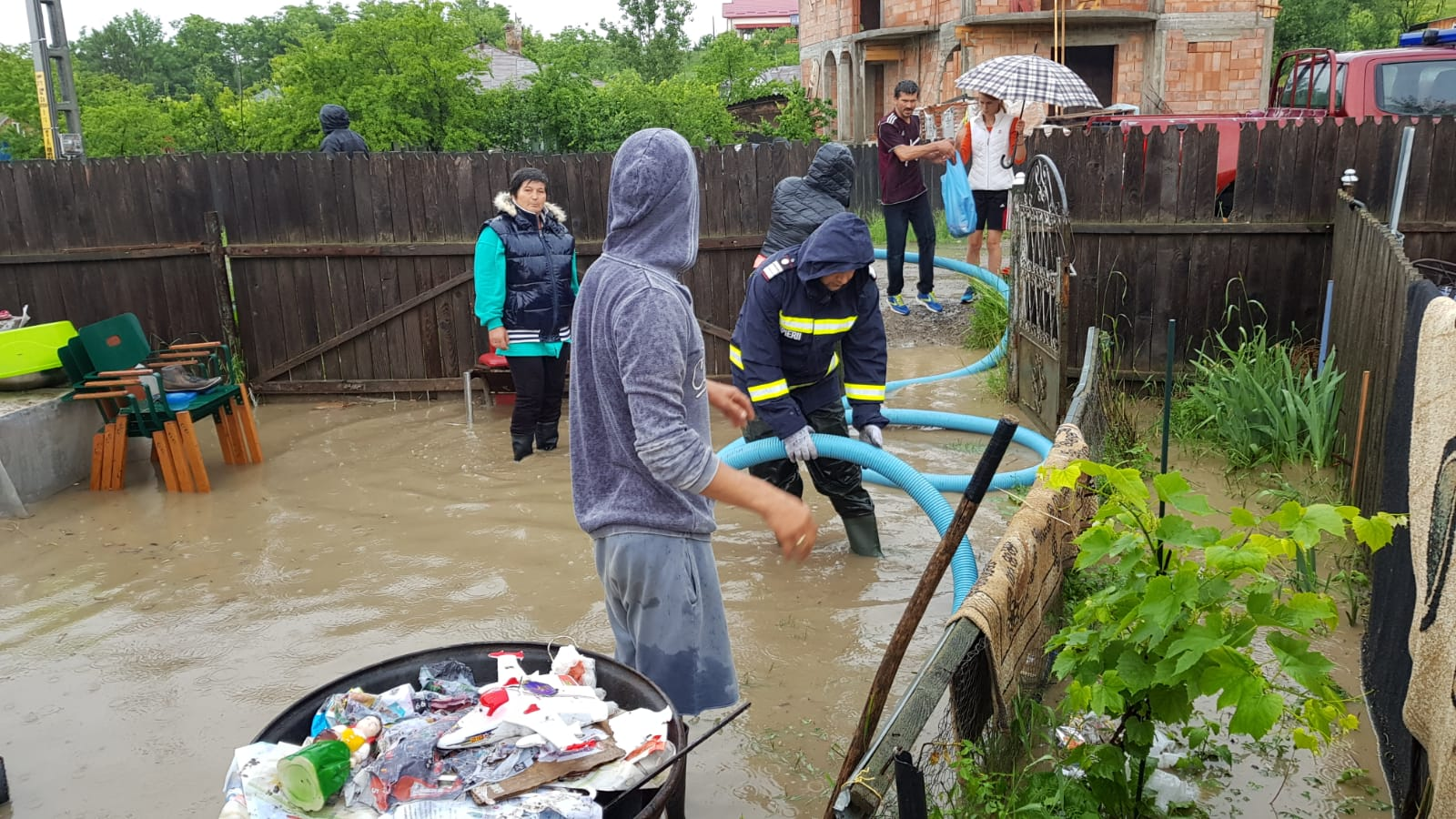 Rupere de nori la Botoșani! Pompierii solicitați sa intervină în urma dezastrului -FOTO