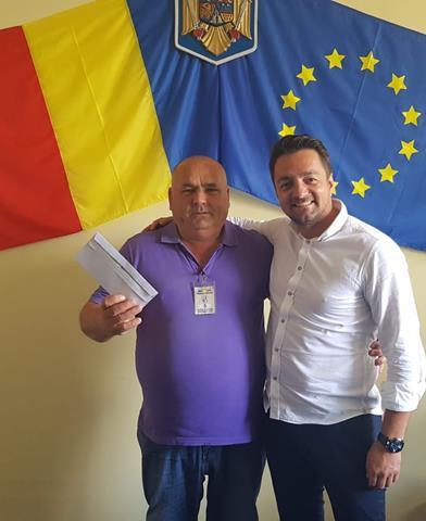 Cel mai înfocat suporter al echipei FC Botoșani a fost premiat de deputatul Răzvan Rotaru