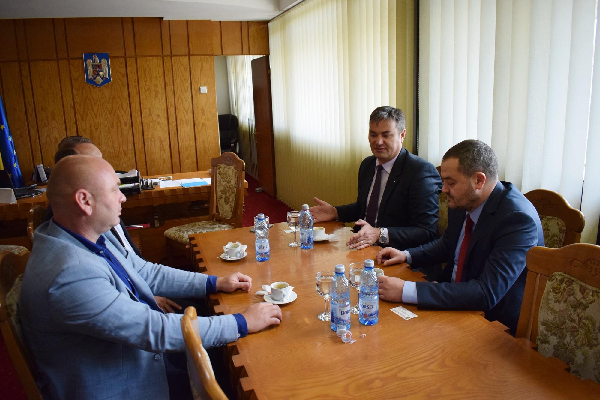 Consulul general al Consulatului Republicii Moldova la Iaşi, în vizită la prefectul Dan Şlincu