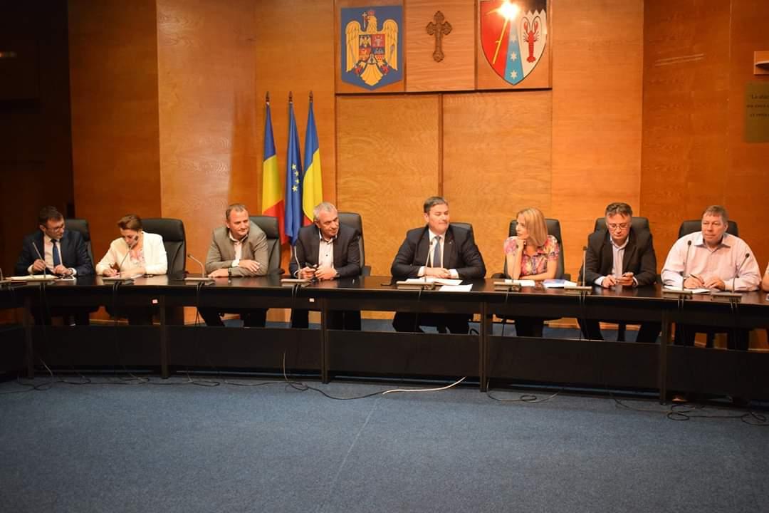 S-a confirmat un nou focar de Pestă Porcină Africană la Ivăncăuţi, comuna Păltiniș