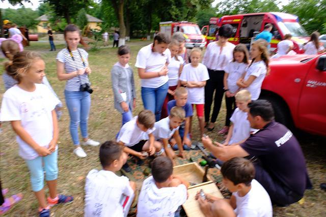 """VIDEO/FOTO-RAUSENI: peste 150 de copii din comuna participă la Tabăra """"Vara pe uliță"""""""