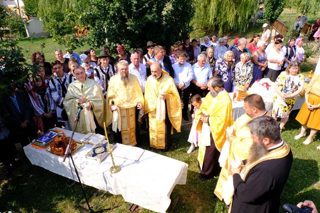 ASTĂZI clopotele bisericii ctitorite chiar de Patriarhul Teoctist au bătut pentru veșnica lui pomenire