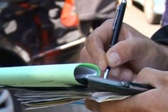 Amendat de jandarmi pentru portul unui pistol neletal în locuri publice