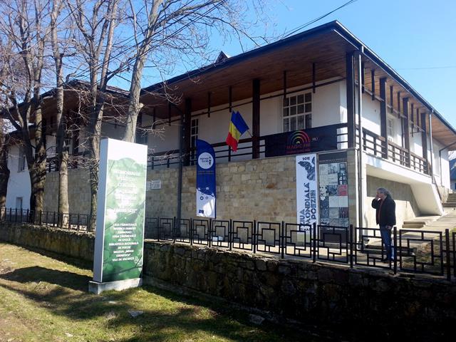 """Școala de vară """"Gheorghe Crăciun""""(ediția I) la Memorialul Ipotești"""