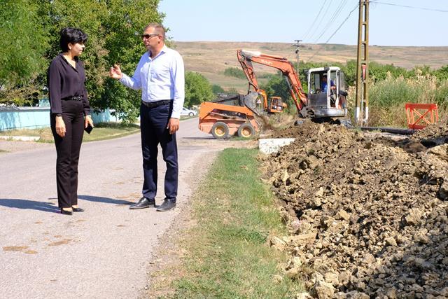 VIDEO/FOTO – Toți locuitorii comunei Cordareni vor fi racordați la apă. Investiție de peste un milion de euro