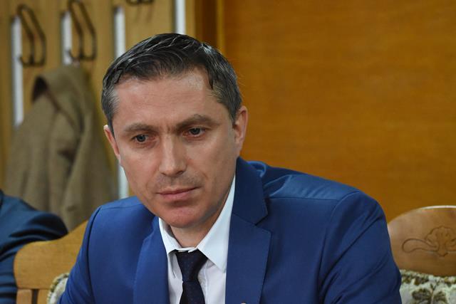 Cătălin Flutur trebuie să lase deoparte orgoliile politice și lupta de partid și să dispună demiterea domnului Țurcanu