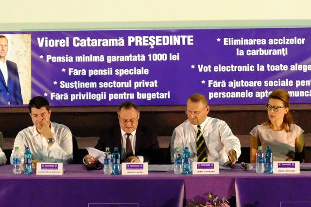 FOTO/VIDEO –  Congresul Dreptei-liberale de la Botoșani DESCHIS de primarul Flutur