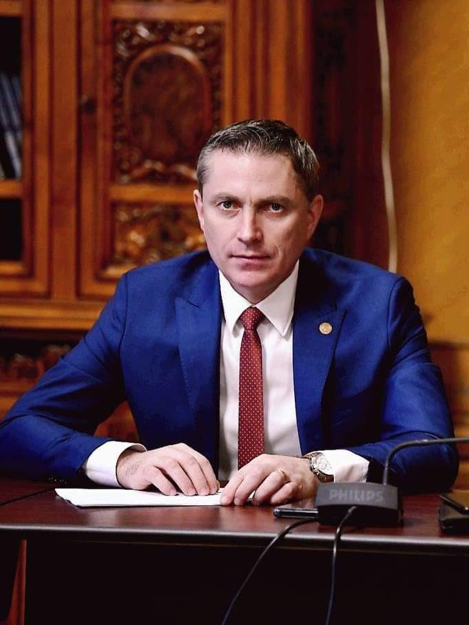 """Deputatul Costel Lupașcu: """"Fluture, nici nu știi cât de mic începi să fii!"""""""