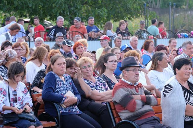 """VIDEO/FOTO – Păltiniș:  Festivalul internațional de muzică populară """"Ioan Cobâlă"""""""