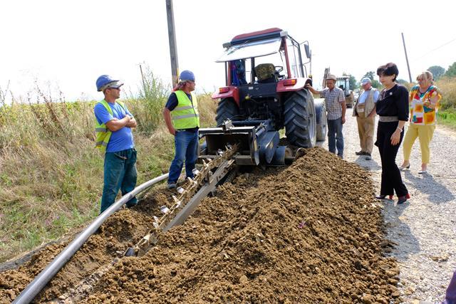 VIDEO/FOTO – Investitie de 2,6 milioane de lei in sistemul de alimentare cu apă potabilă al comunei Vârfu Câmpului