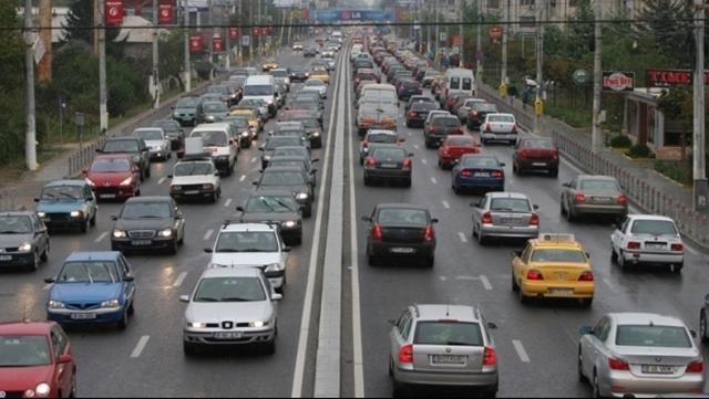 Noi sancţiuni pentru șoferii care folosesc telefonul mobil în timpul mersului