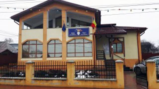 Primăria comunei Mihai Eminescu:  ANUNȚ referitor la transportul public