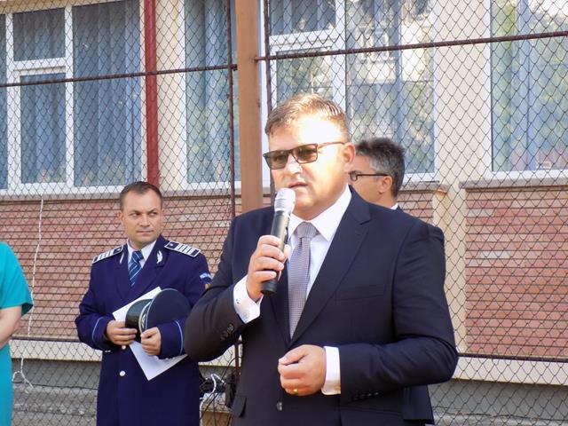 """Deschidere de AN SCOLAR in prezenta ministrului Marius Budai:  """"Dragi elevi, vă doresc un an plin de studii aprofundate"""""""