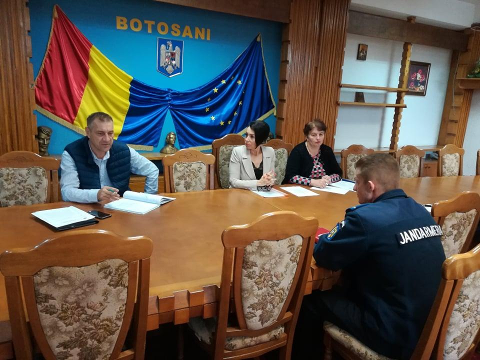 Membrii Comisiei Județene de Acțiune împotriva Violenței în Sport s-au întrunit azi în ședință, la Instituția Prefectului