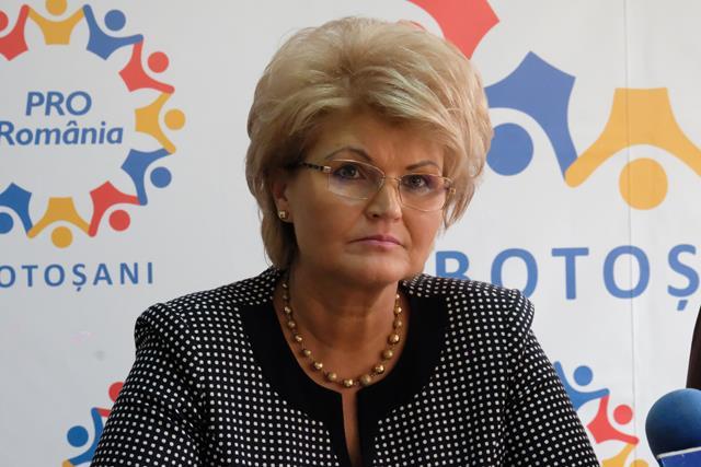 """Mihaela Hunca: """"Vi se pare normal că acest guvern să funcționeze așa? Fără ministru la educație, fără ministru la interne"""""""