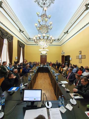 FOTO / Doi botoșăneni au intrat  în galeria cetățenilor de onoare ai municipiului Botoșani