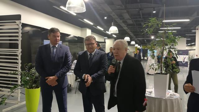 Ministrul Muncii prezent la deschiderea BURSEI locurilor de muncă pentru absolvenți din municipiul Botoşani