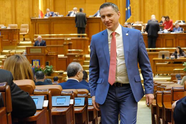 """""""Costel Lupașcu poate decide soarta moțiunii"""""""