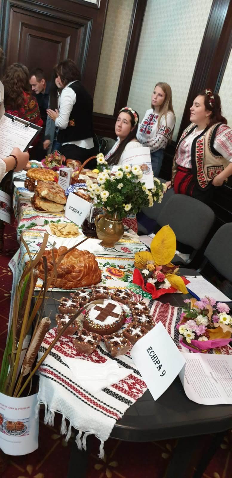 """Concurs: """"Promovarea turismului și a gastronomiei locale"""" , cu plăcinte """"poale-n brâu"""", cozonaci și colțunași"""