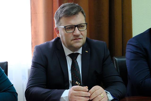 Marius Budăi despre situația pensiilor și salariilor, dar a comentat și despre afirmațiile făcute de opoziție