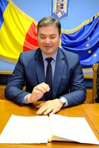 Prefectul Dan Şlincu a solicitat asigurări că prima ninsoare nu îi va lua pe drumari prin surprindere