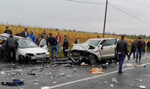"""Grav accident pe raza localitatii Târgu Frumos.  Patru oameni au murit pe """"Drumul Morții"""" din Iași"""