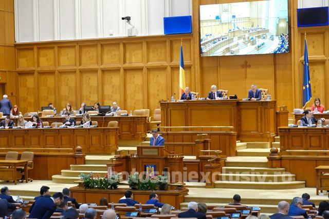 Guvernul Orban a trecut la limită în Parlament. A primit 240 de voturi