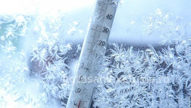 Temperaturi scăzute anunțate de meteorologi. Lapoviță și ninsori, în următoarele zile