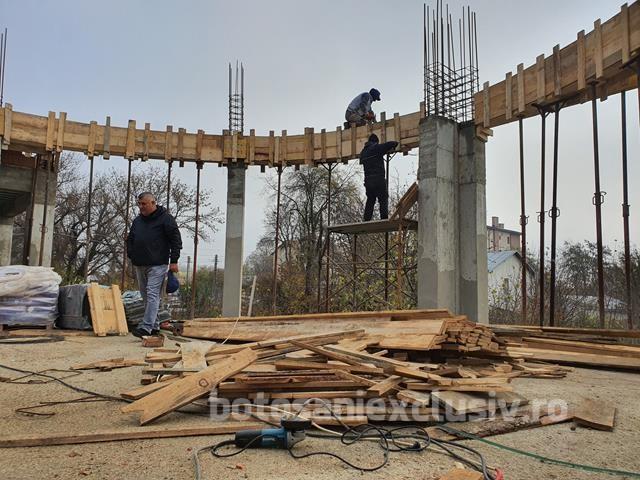 """FOTO/VIDEO   SAVENI:  Investiții de 3,6 milioane de euro în extinderea și modernizarea Liceului """"Mihai Ciucă"""""""