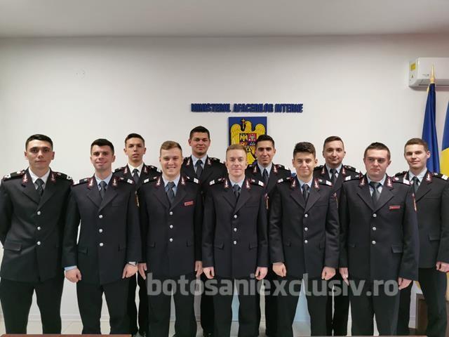Pompieri botoşăneni avansaţi în grad, de Ziua Naţională a României