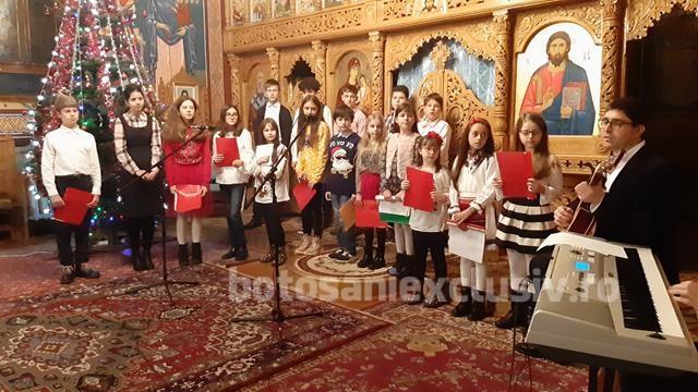 "FOTO/    Concert de colinde la Biserica ""Buna Vestire"" din Botoșani"