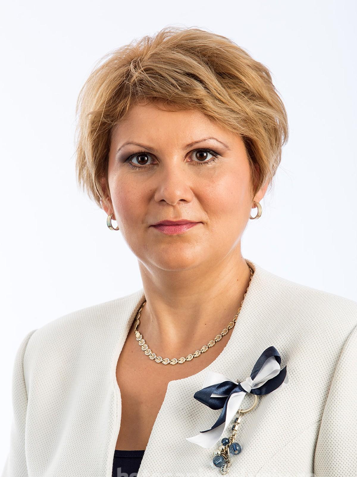 """(CP)    Roxana Florentina Țurcanu, președinte ALDE Botoșani:  """"Nu înțelegem bătălia celor de la PNL Botoșani pentru niște poziții care nu sunt politice și trebuie ocupate de oameni cu expertiză care vor putea face lucruri corecte pentru cetățeni"""""""