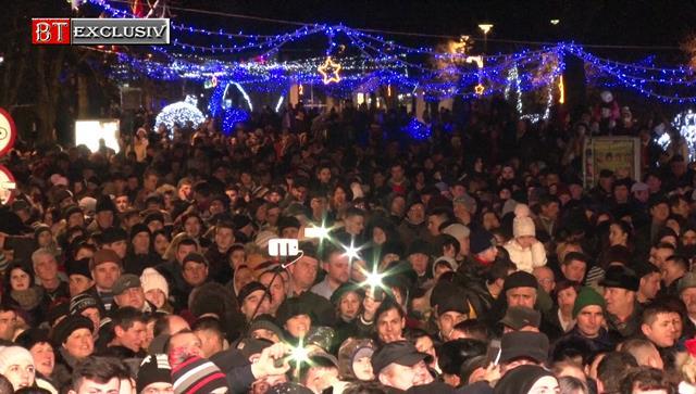Concert cu numeroase vedete și foc de artificii de revelion