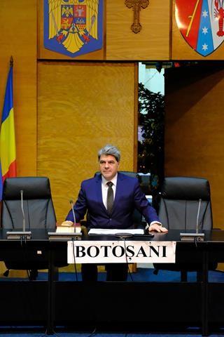 VIDEO/FOTO     Botoșaniul are prefect nou. Alexandru Colbu, reprezentantul guvernului în județ a depus jurământul