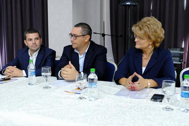 Ponta rămâne singur în partid. Val de demisii din Pro România