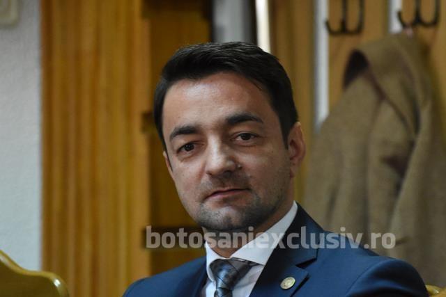 """Răzvan Rotaru: """"Incompetență liberală pe toată linia, atât la nivel local, cât la nivel central! Au preluat guvernarea și nu sunt în stare să continue investițiile începute de PSD!"""