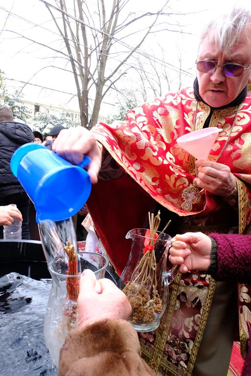 VIDE/FOTO   Sute de credincioși au fost astăzi la slujba de Bobotează
