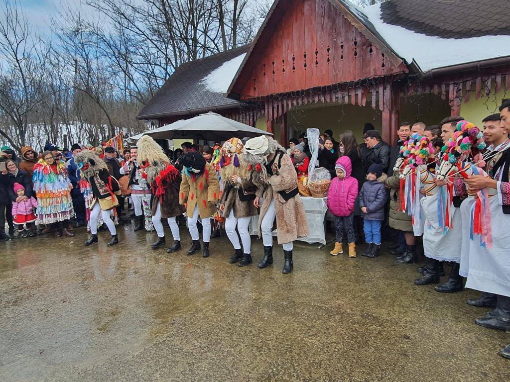 VIDEO/FOTO  –  Tradiții și obiceiuri de Anul Nou în comuna Cosula