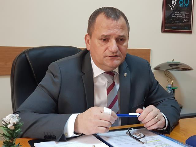 """Vicepreședinte CJ, Dorin Birta:   """"Pe raza judeţului Botoșani nu există drumuri judeţene pe care traficul rutier să fie blocat, circulaţia desfășurându-se pe mai multe sectoare de drum, în condiţii de iarnă"""""""